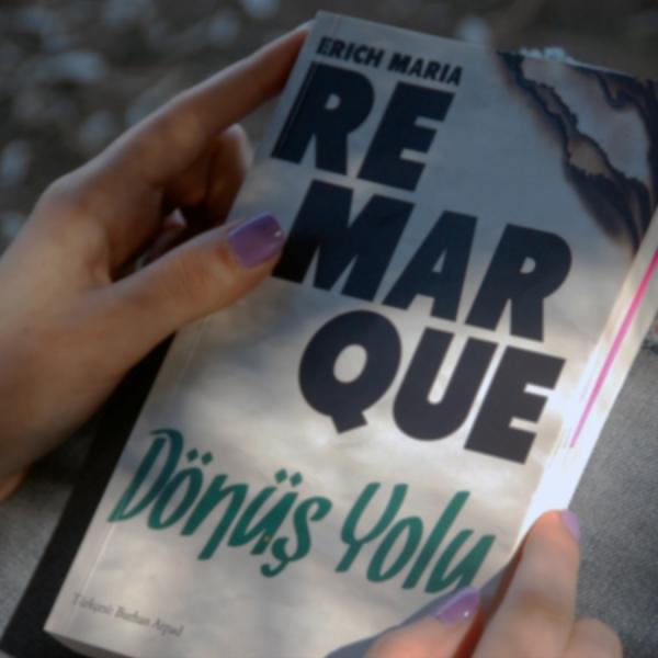 Erich Maria Remarque ile savaşın çılgınlğı ve eve dönüş.